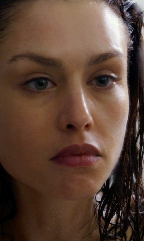 Hannah Ware with Avanessi Knot Hoops Earrings in Hitman: Agent 47