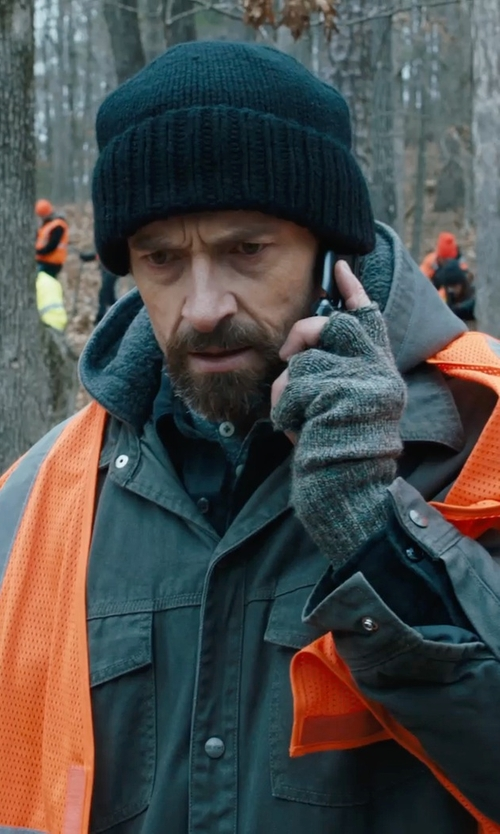 Hugh Jackman with Samsung SGH-S275 Flip Phone in Prisoners