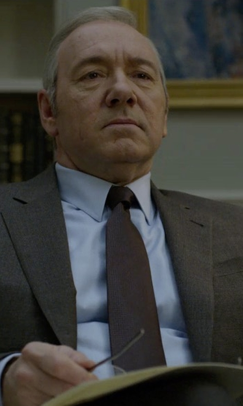 Kevin Spacey with Gucci Bee Underknot Silk Tie in House of Cards