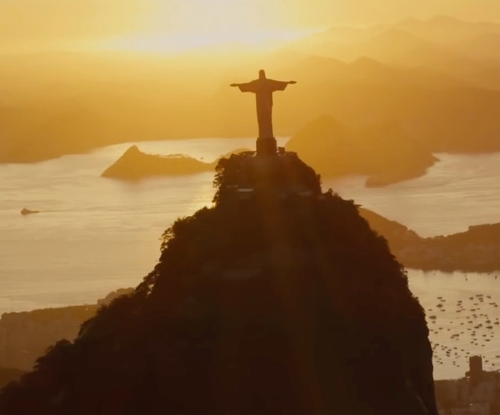 Unknown Actor with Christ The Redeemer Statue Rio de Janeiro, Brazil in Mechanic: Resurrection