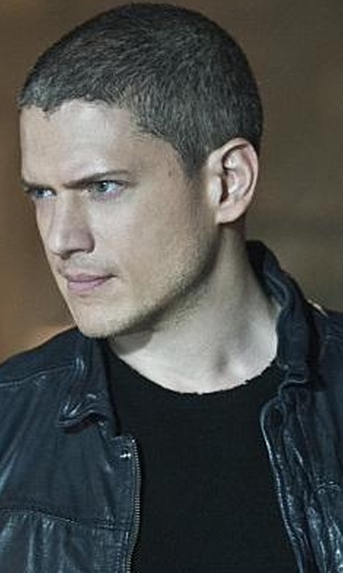 Wentworth Miller with John Varvatos Crew-Neck Knit T-Shirt in The Flash