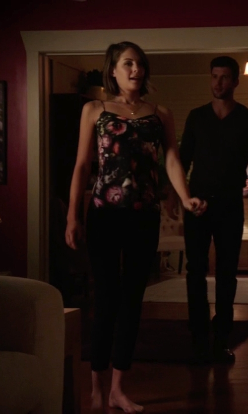 Willa Holland with Ted Baker Cynaria Printed Top in Arrow