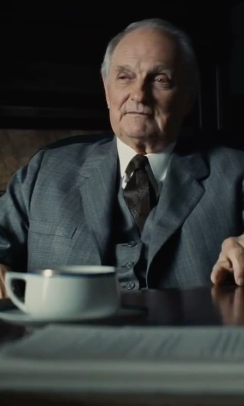 Alan Alda with Ralph Lauren Three Piece Suit Set in Bridge of Spies