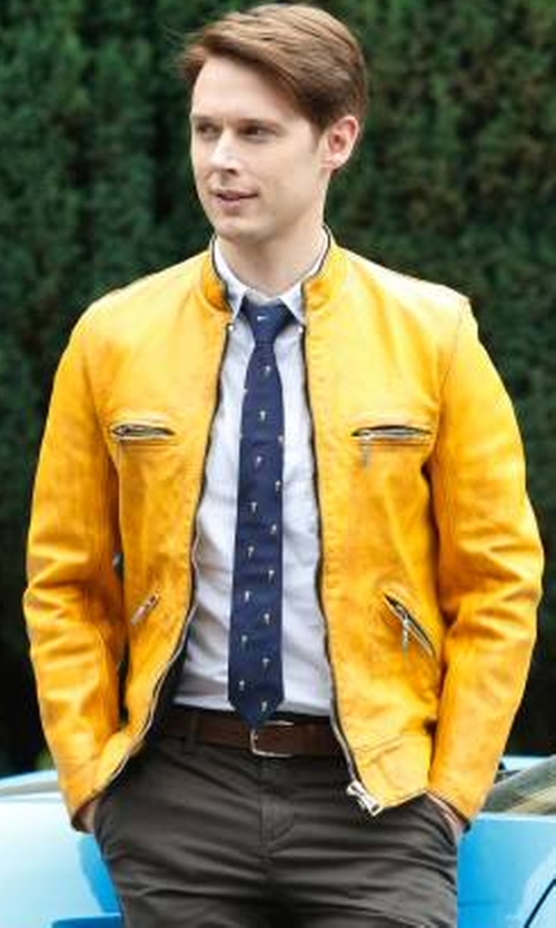 Samuel Barnett with Lewis Leathers Custom Made Yellow Horsehide Super Sportsman No.68 Jacket in Dirk Gently's Holistic Detective Agency