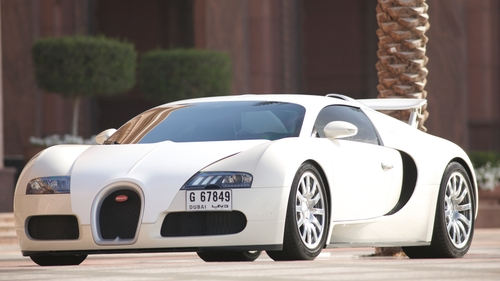 Tyrese Gibson with Bugatti Veyron Coupe in Furious 7
