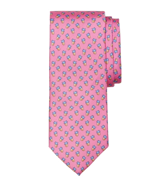 Pineapple Print Tie by Brooks Brothers in Mike and Dave Need Wedding Dates