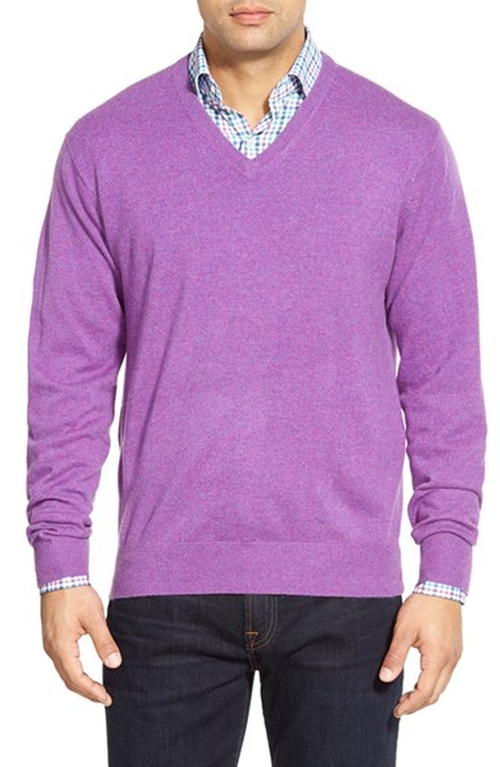 High Twist Cashmere V-Neck Sweater by Peter Millar in The Mindy Project - Season 4 Episode 2