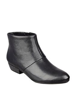 Ezout Leather Booties by Nine West in Brooklyn Nine-Nine
