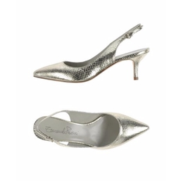 Printed Leather Pumps by Emanuela Passeri in Bridget Jones's Baby