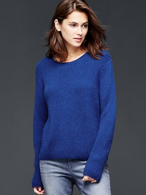 Dolman Pullover Sweater by Gap in Supergirl - Season 1 Episode 3