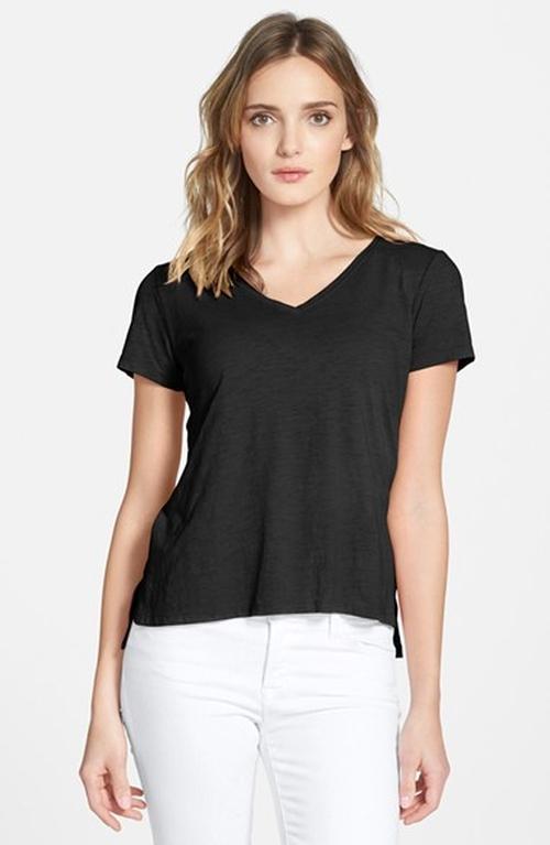 Organic Cotton V-Neck T-Shirt by Eileen Fisher in Modern Family - Season 7 Episode 1