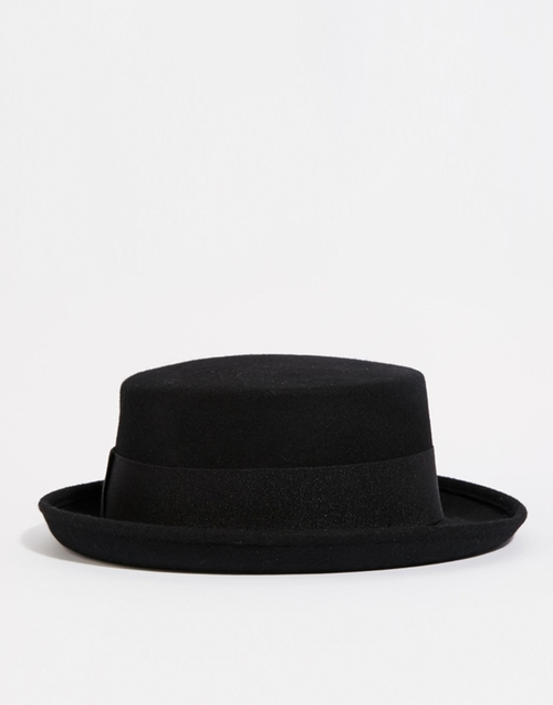 Pork Pie Hat by Catarzi in Modern Family - Season 7 Episode 12