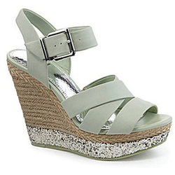 Wedge Sandals by Gianni Bini in Pitch Perfect 2