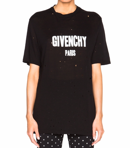 Short Sleeve T-Shirt by Givenchy in Keeping Up With The Kardashians - Season 12 Episode 15