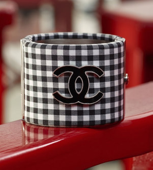 Cruise 2011 Plaid Cuffs by Chanel in Gossip Girl - Series Looks