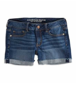 Denim Shorts by American Eagle in Pitch Perfect 2