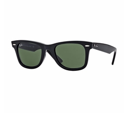 Classic Wayfarer Sunglasses by Ray-Ban in Marvel's Luke Cage