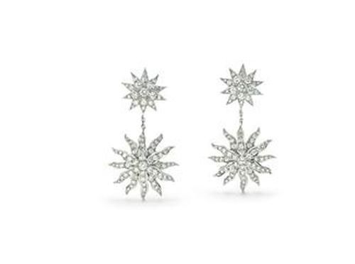 Lace Sunburst Drop Earrings by Tiffany & Co. in Ocean's Eleven