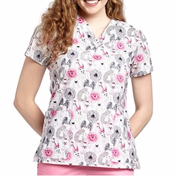 Print V-Neck Scrub Top by Oasis in Pitch Perfect 3