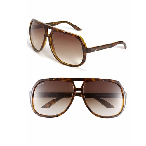 Logo Temple Aviator Sunglasses by Gucci in War Dogs
