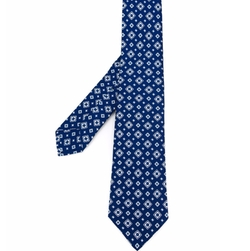Diamond Medallion Neck Tie by Kiton in The Accountant