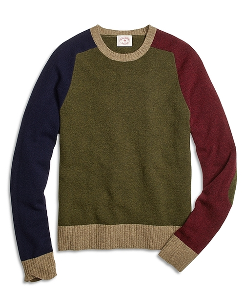 Fun Crewneck Sweater by Brooks Brothers in Scream Queens - Season 1 Episode 10