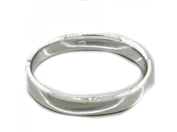 Hinged Wide Bangle Bracelet by Tiffany & Co. in The Good Wife
