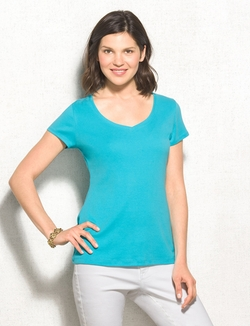 V-Neck Tee by Dressbarn in Pitch Perfect 2