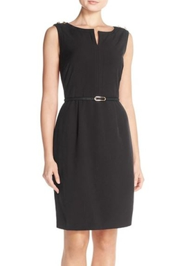 Split Neck Crepe Sheath Dress by Ellen Tracy in Jessica Jones