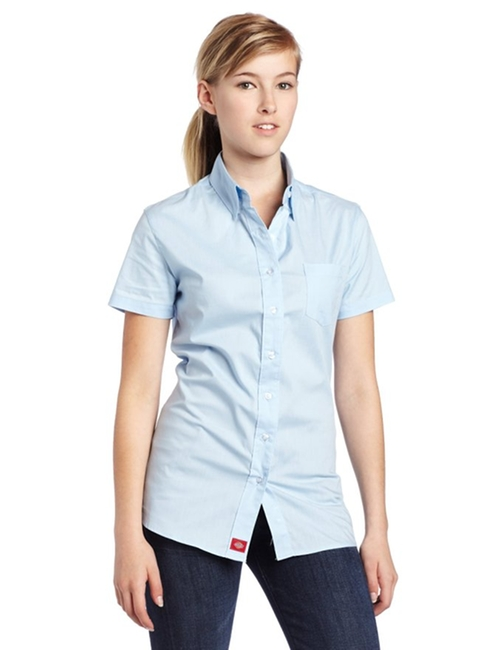 Poplin Short-Sleeve Shirt by Dickies in Elementary - Season 5 Episode 1