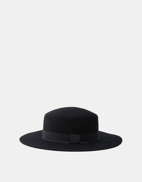 Flat Top Hat by Asos in The Hateful Eight