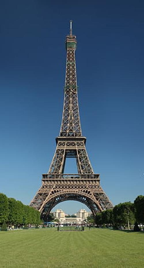 Eiffel Tower Paris, France in X-Men: Days of Future Past