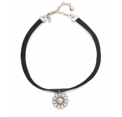 Leather Choker Daisy Necklace by Vanessa Mooney in Keeping Up With The Kardashians