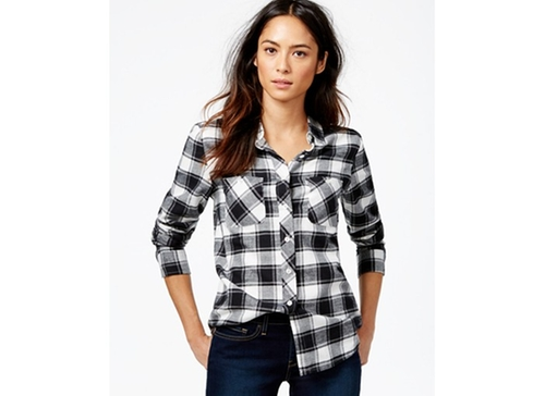 Plaid 2-Pocket Boyfriend Shirt by Levi's in Quantico - Season 1 Episode 11