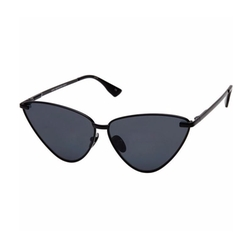 Luxe Nero Sunglasses by Le Specs in Keeping Up With The Kardashians