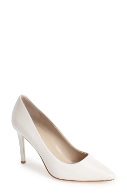 Kaso Pumps by Charles David in Ted 2