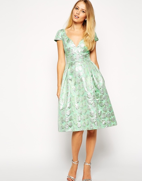 Deep Plunge Metallic Prom Dress by Asos Collection in Scream Queens - Season 1 Episode 7