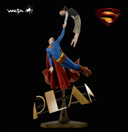 Superman Returns : The Daily Planet Statue by Weta in The Big Bang Theory - Season 9 Episode 4