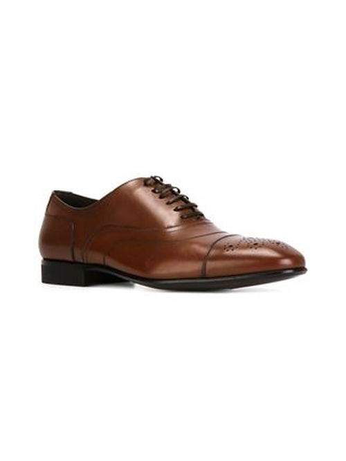 Manolo Derby Shoes by Salvatore Ferragamo in Suits - Season 5 Episode 1