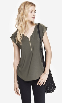 Mixed Texture Zip Front Tee by Express in Pretty Little Liars