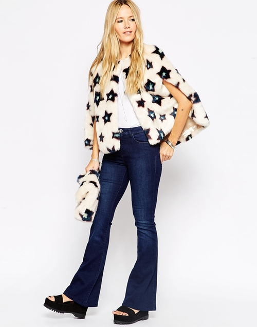 Stars Mini Faux Fur Cape by Asos Collection in Scream Queens