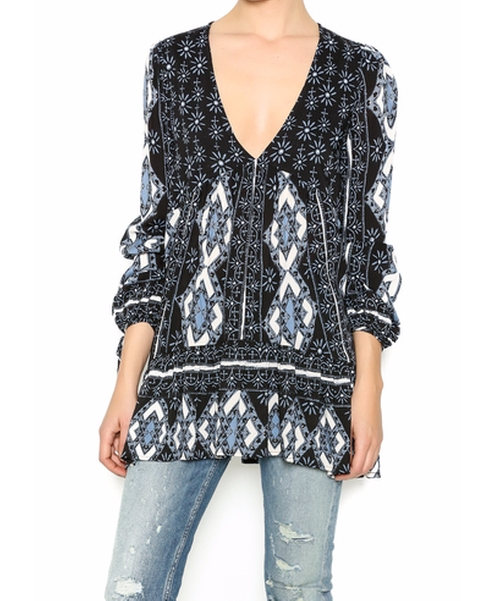 Printed Tunic Top by Free People in Rosewood - Season 1 Episode 18