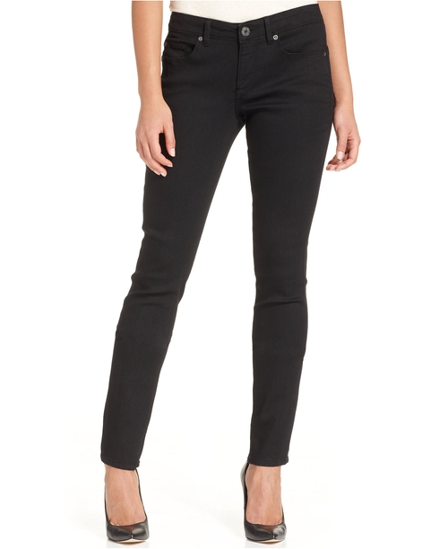 Curvy-Fit Skinny Jeans by Calvin Klein Jeans in Modern Family