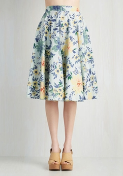 Library in Love Skirt by ModCloth in Pretty Little Liars