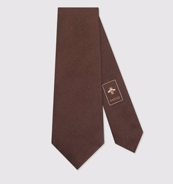 Bee Underknot Silk Tie by Gucci in House of Cards