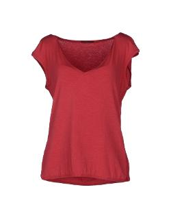 T-shirt by Elie Tahari in The Other Woman