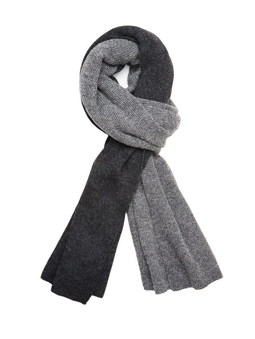 Alpaca Color-Blocked Scarf by Altenative Apparel in Once Upon a Time - Season 5 Episode 22