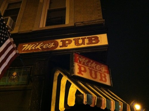 Mike's Pub (Depicted as Old Abbey Pub) New York City, New York in Run All Night
