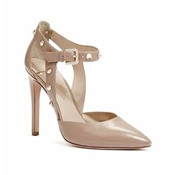 Bobbie Pumps by Guess by Marciano in Arrow