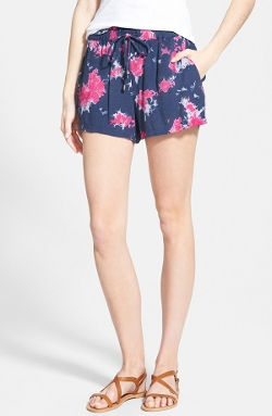 'Cloud' Print Drawstring Shorts by Splendid in Insidious: Chapter 3